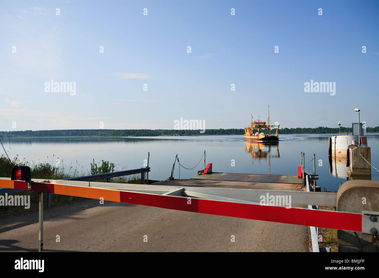 Scandinavia, Sweden, Ostergotland, Braviken, Ferry on lake - Stock Image