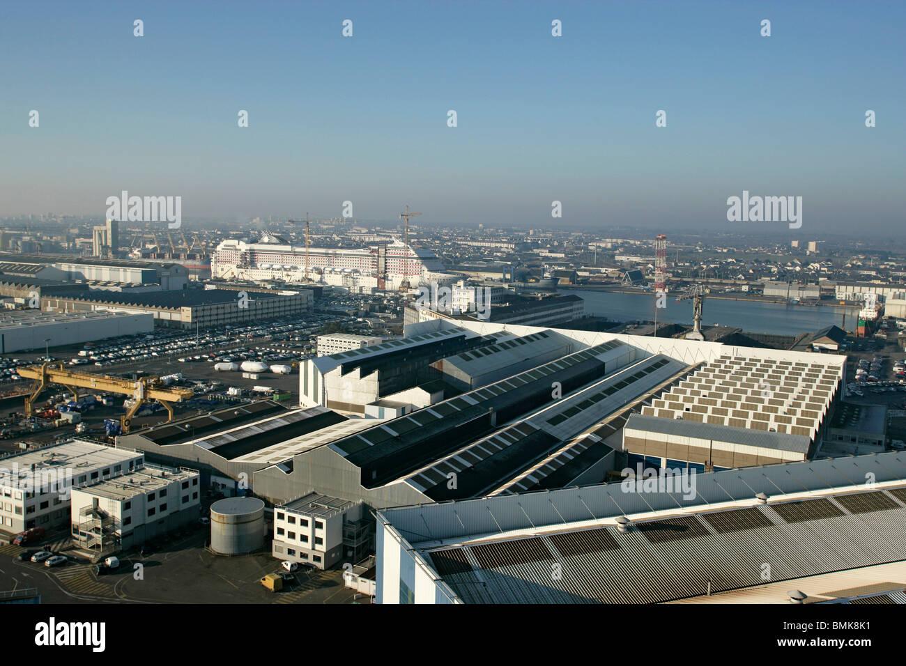 The 'Chantiers de l'Atlantique' shipyards in Saint-Nazaire - Stock Image