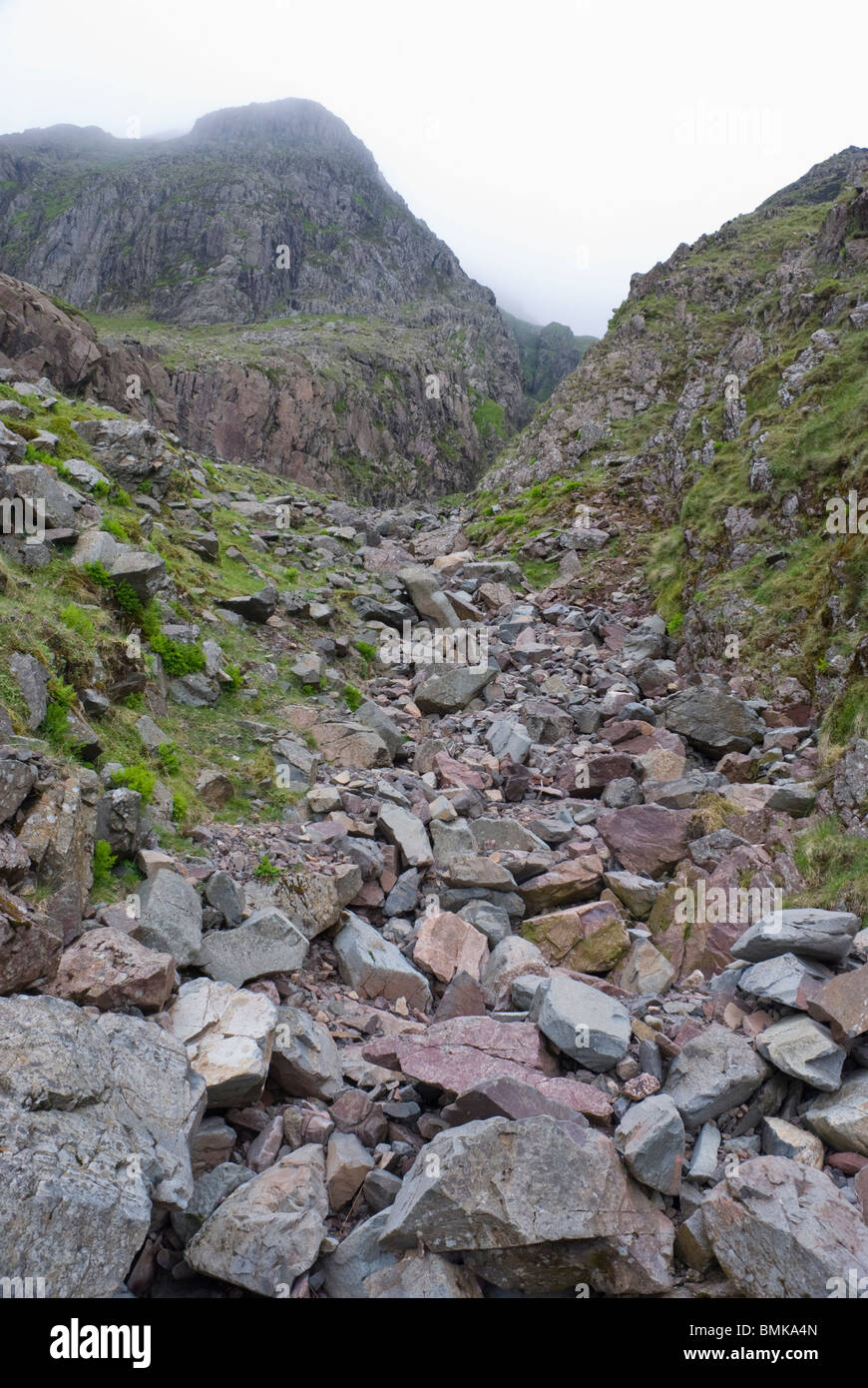 Looking up Skew Gill near Great End and Scafell Pike, Lake District, Cumbria - Stock Image