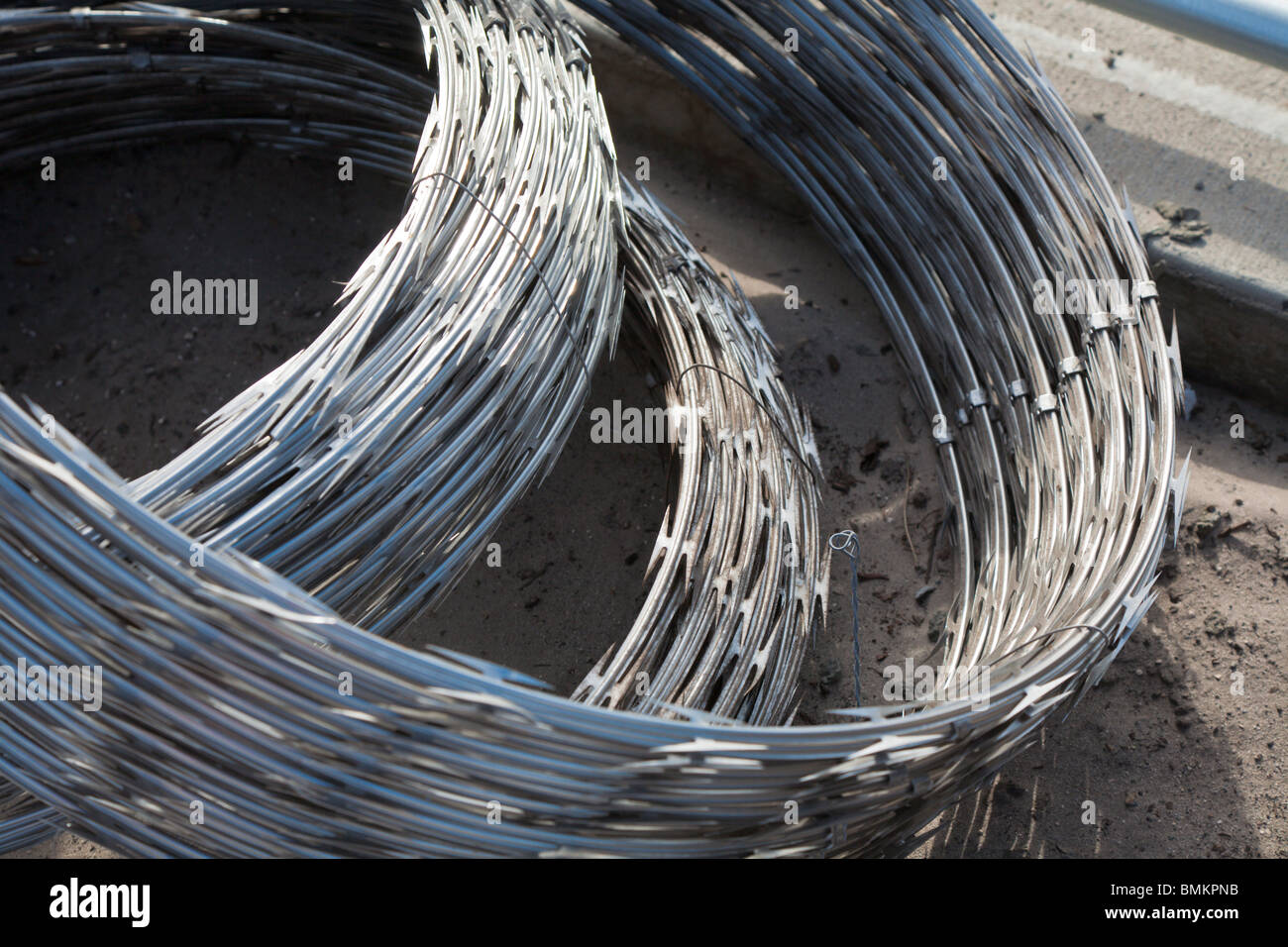 Bundled rolls of stainless steel razor wire spirals for security ...