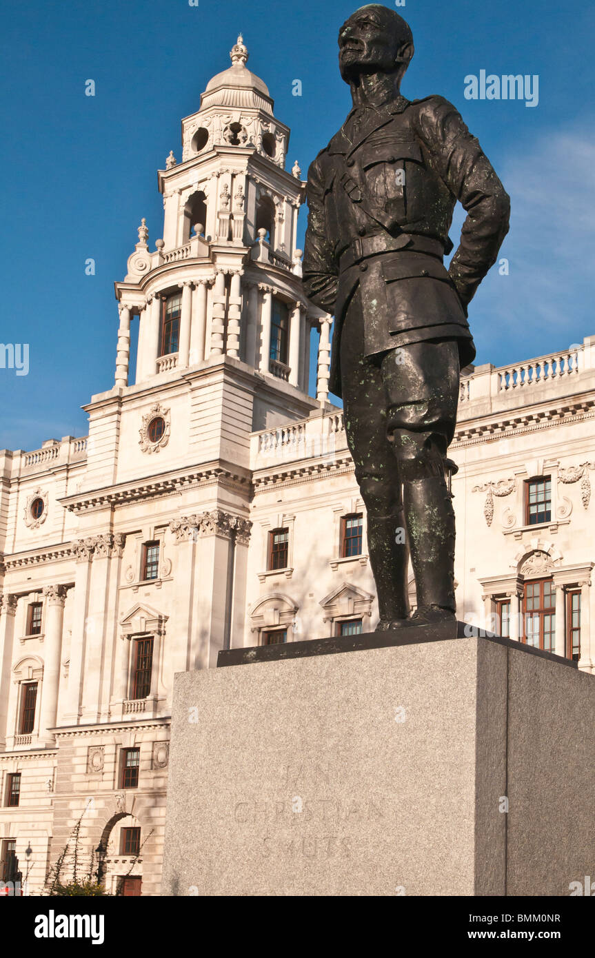 Statue of Field Marshal Jan Christian Smuts (1870-1950), Parliament Square, Westminster, London, United Kingdom - Stock Image