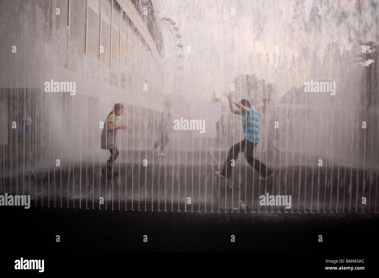 London, England, UK, South Bank District, Public Fountain, Children Playing - Stock Image