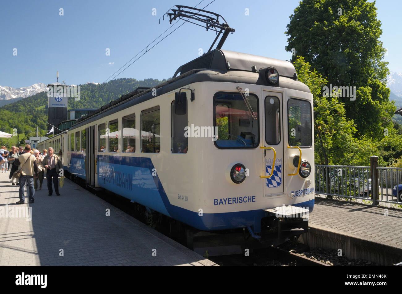 Train of the Bayerische Zugspitzbahn mountain railway, Garmisch-Partenkirchen, Bavaria - Stock Image
