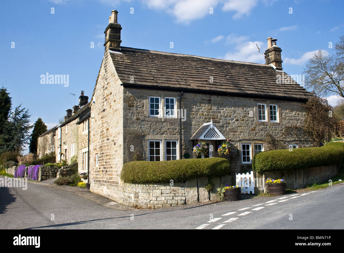 Cottages, Froggatt, Peak District, Derbyshire, England, UK - Stock Image