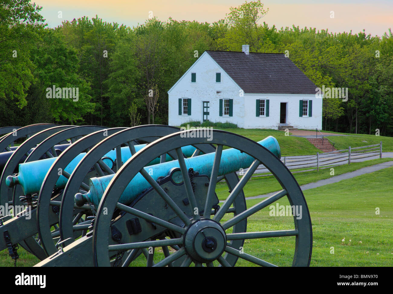 Cannons and Dunker Church, Antietam National Battlefield, Sharpsburg, Maryland, USA - Stock Image