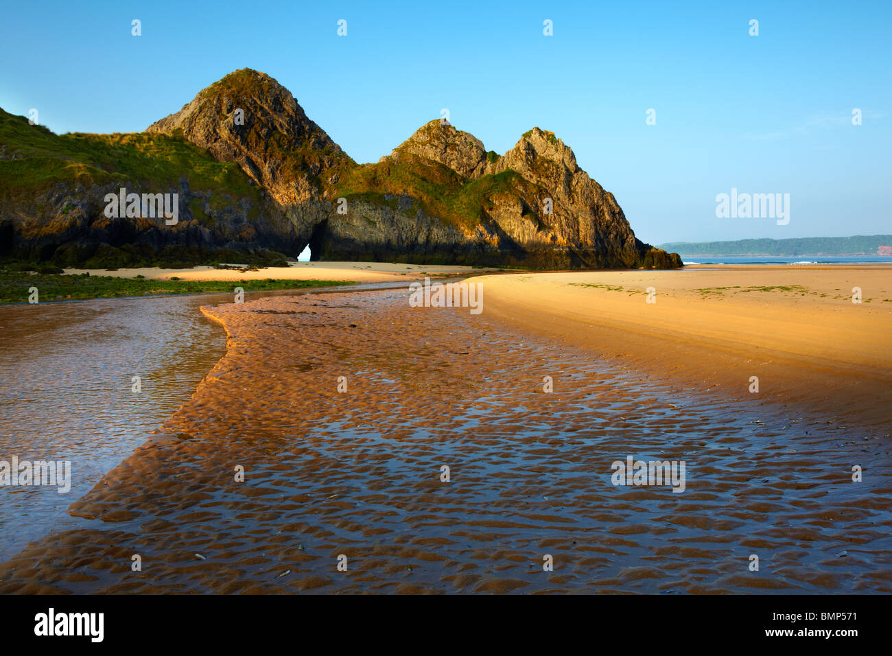 Three Cliffs Bay, Gower peninsula, South West Wales, dawn. - Stock Image