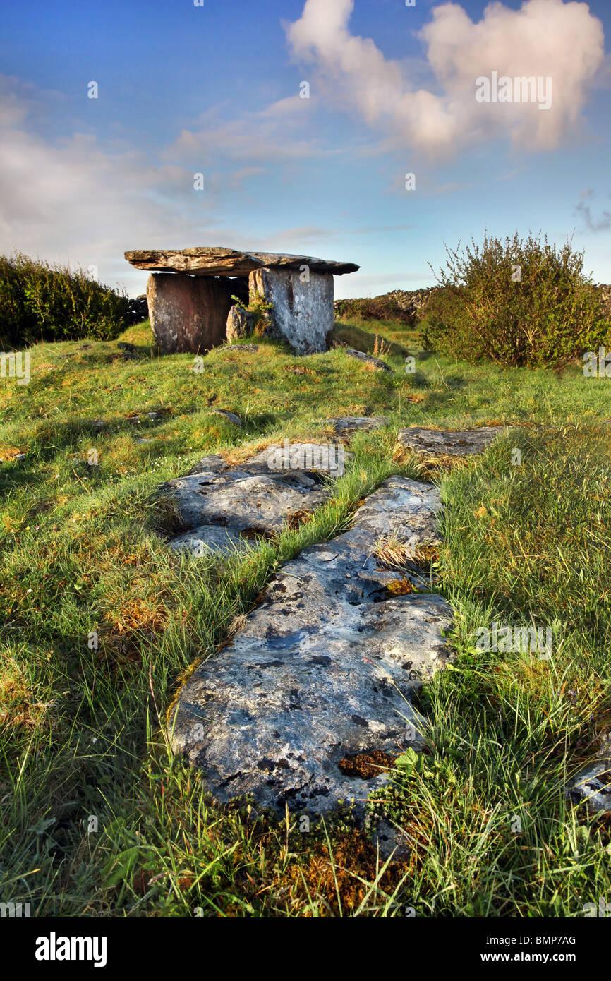 Gleninsheen wedge tomb. The Burren in north-west Clare, Ireland. - Stock Image