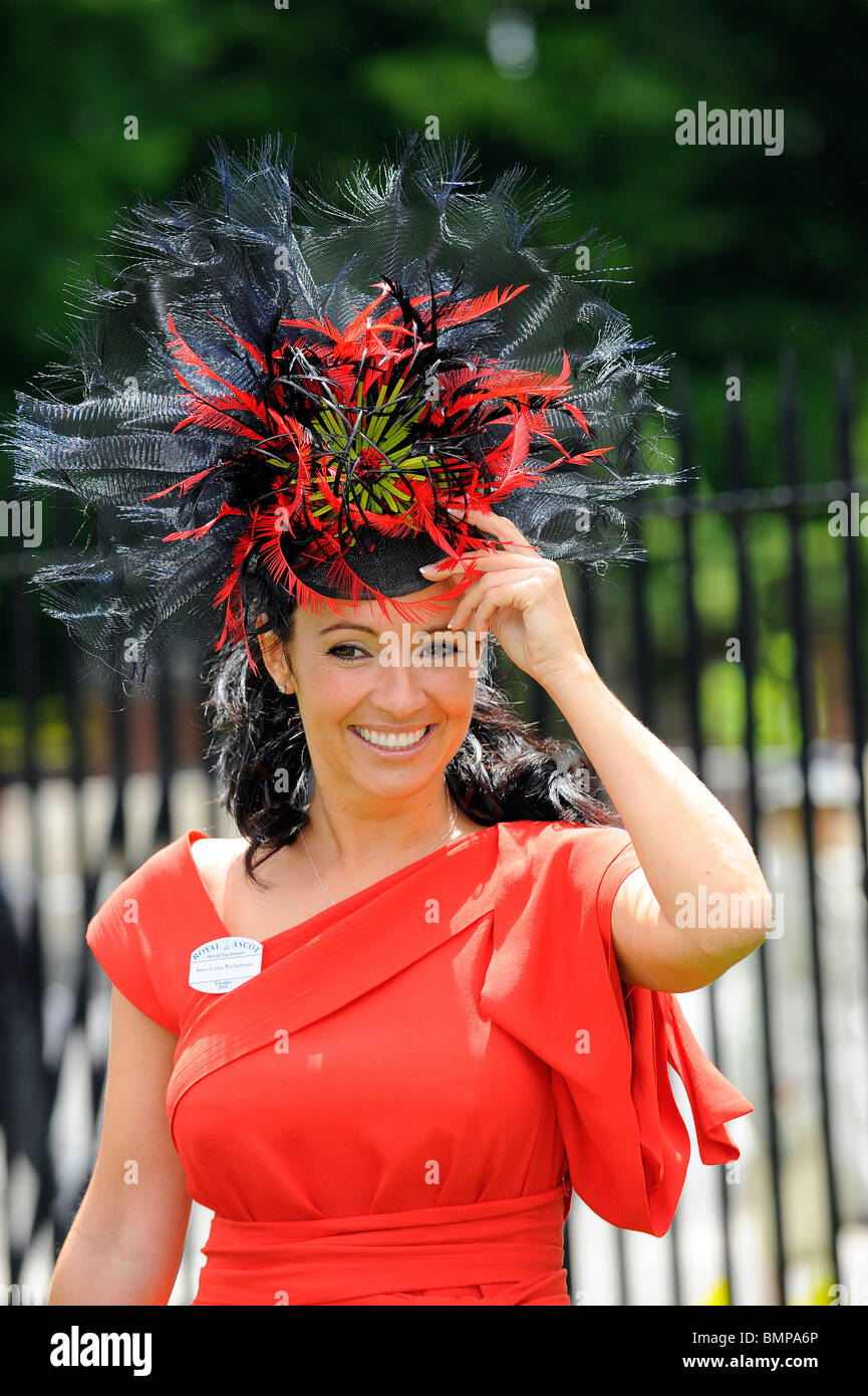 A female race goer wearing a hat during day one of Royal Ascot 2010 - Stock Image