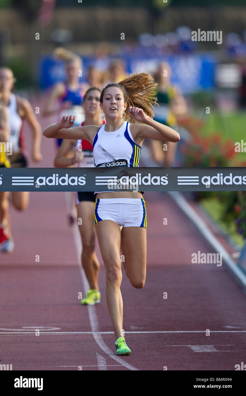 Maddie Meyers winning the Women's High School Dream Mile at the 2010 New York Grand Prix,  IAAF Diamond League - Stock Image