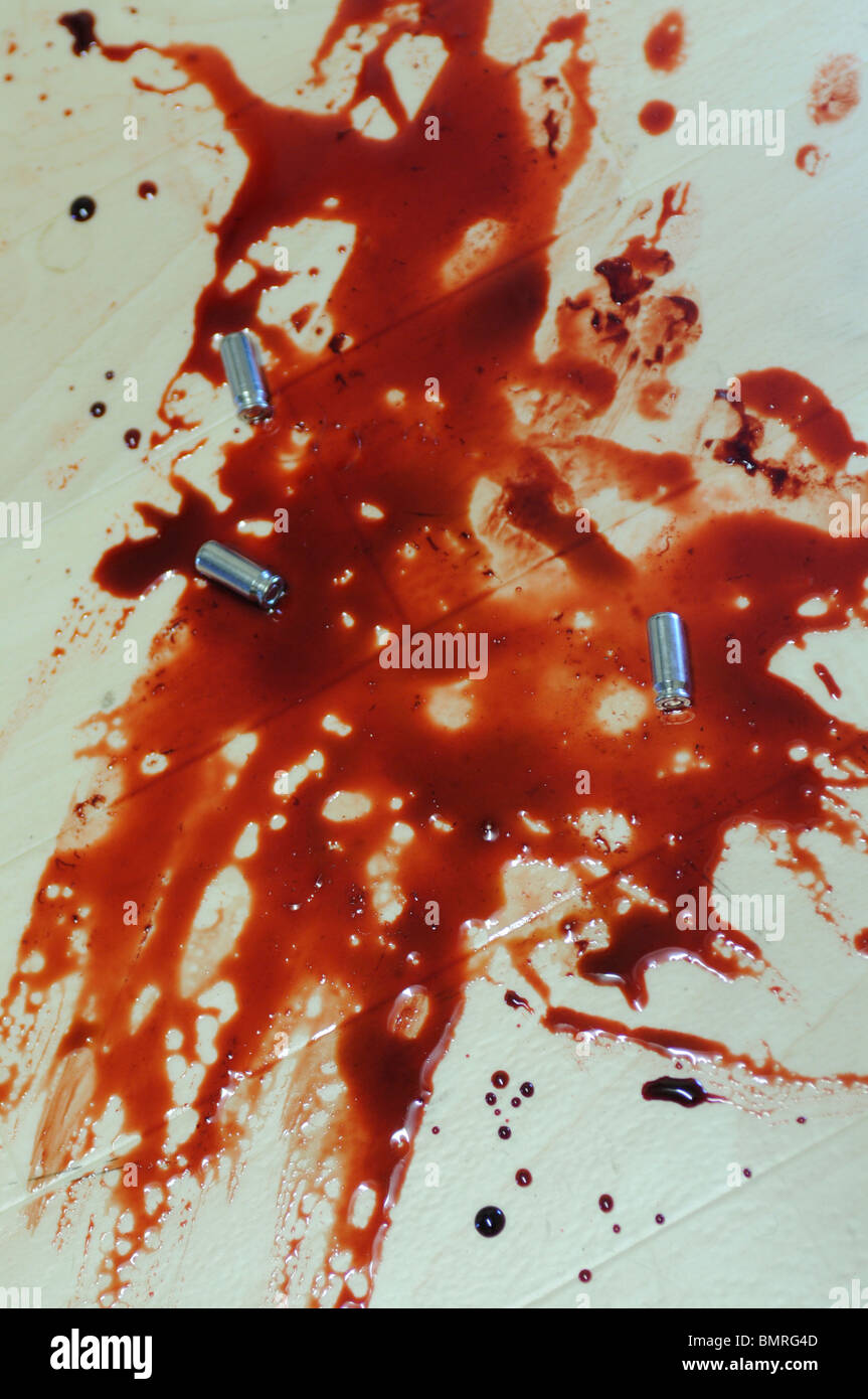 Golf Club Murder weapon, crime scene featuring a golf club in a pool of blood - Stock Image