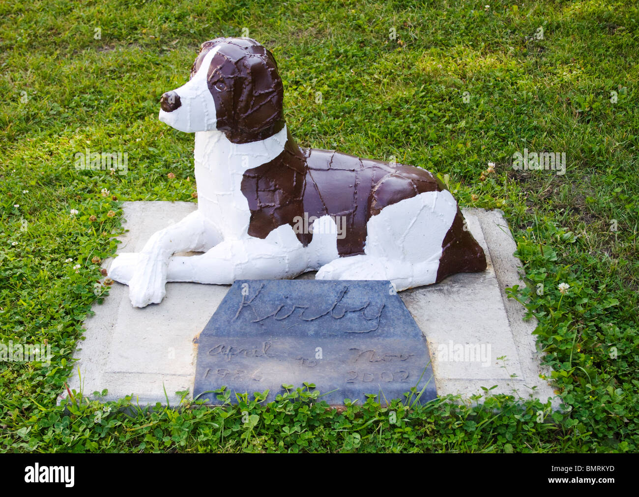 Ken Nybergs Dog Sculpture in Vining Minnesota - Stock Image