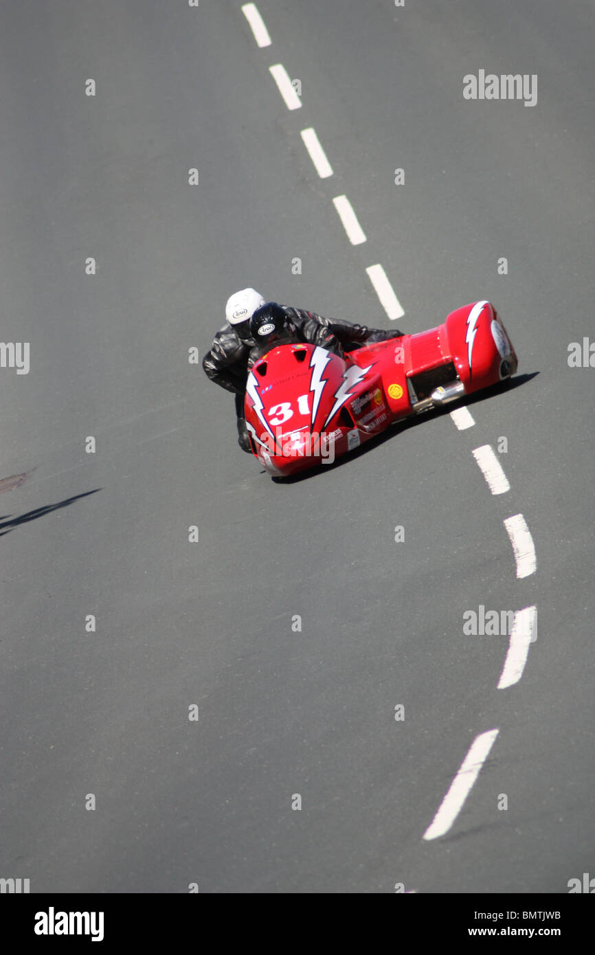 Isle Of Man Sidecar Tt Stock Photos Tt2011 Sidecars Banks And Alton In The Number 31 At Hillberry During