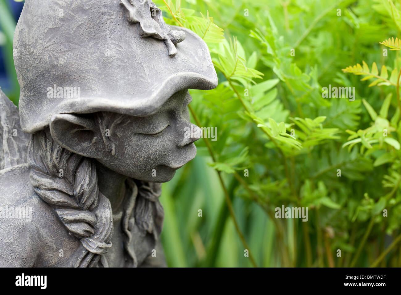 Gentil Elf Garden Statue, Fountain, Gifts, Handicrafts, Hobbies, Gardening,  Flowers,