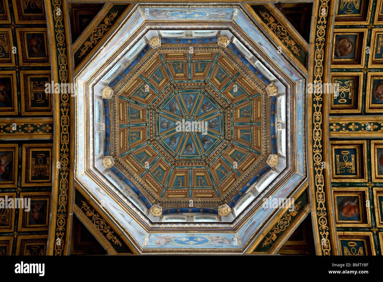 FRANCE, FONTAINEBLEAU CASTLE, HAUT SAINT SATURNIN CHAPEL - Stock Image