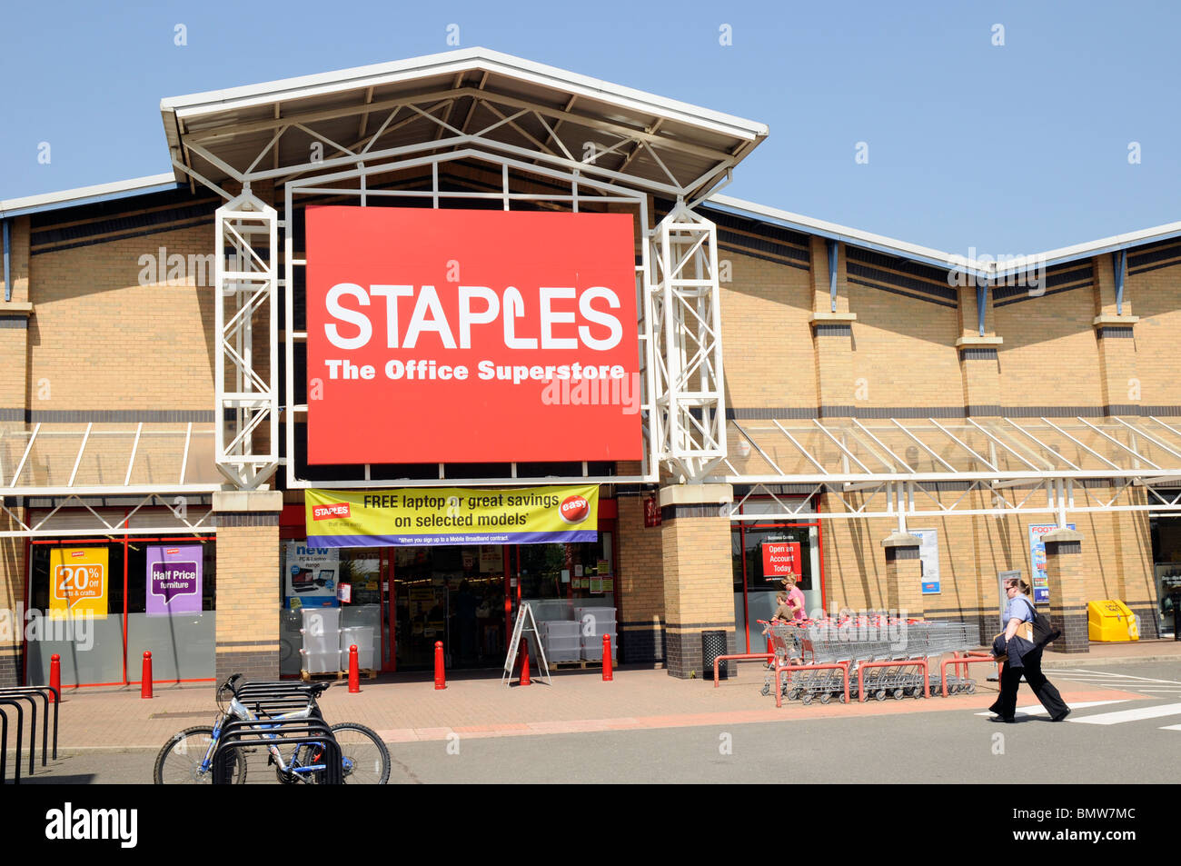 Staples, the office superstore, Retail Park, Peterborough. - Stock Image