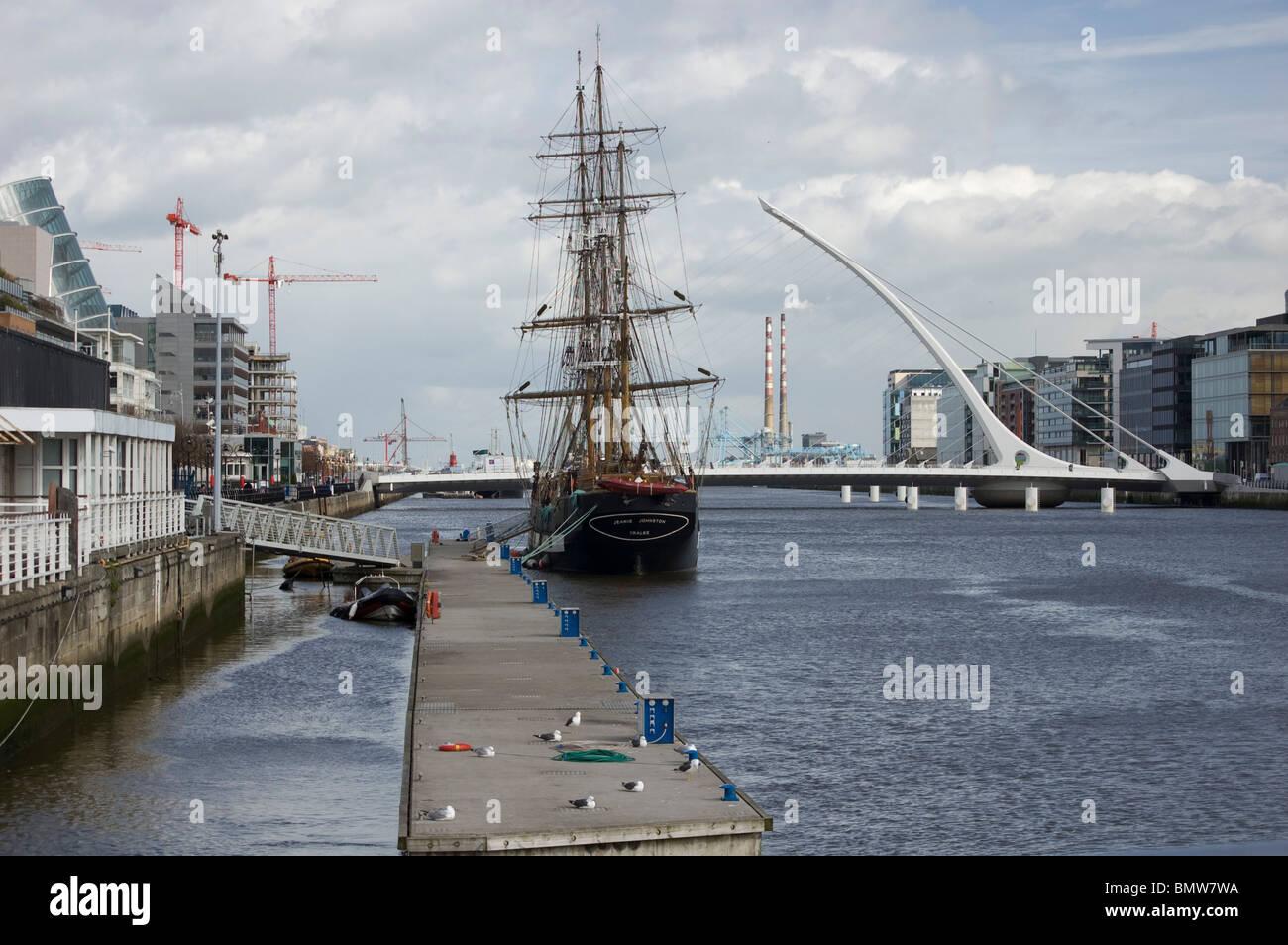 Tall ship, Docklands, Dublin - Stock Image