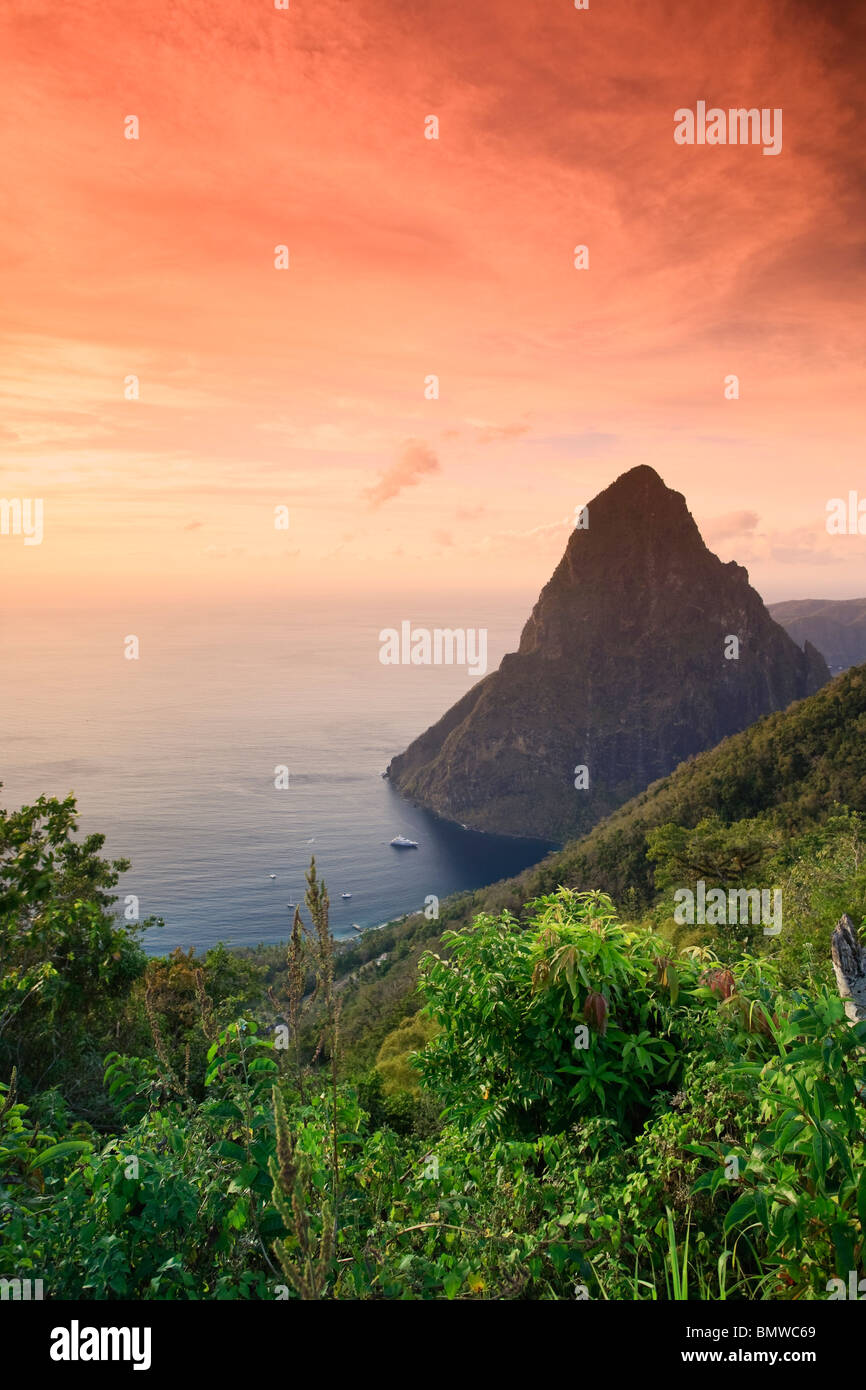 Caribbean, St Lucia, Petit Piton and Anse des Pitons Beach - Stock Image
