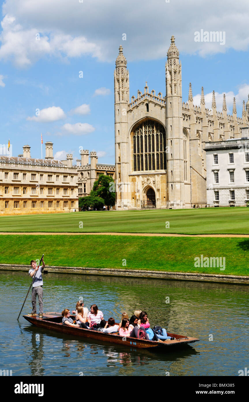 Punting on the River Cam at Kings College Chapel, Cambridge, England, UK - Stock Image