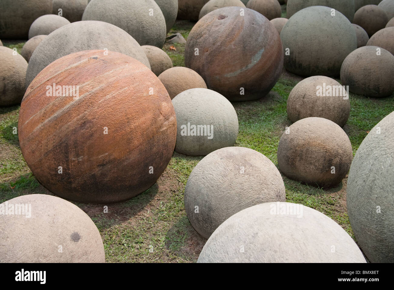 Carved stone balls as garden ornaments in nong nooch pattay carved stone balls as garden ornaments in nong nooch pattay thailand workwithnaturefo