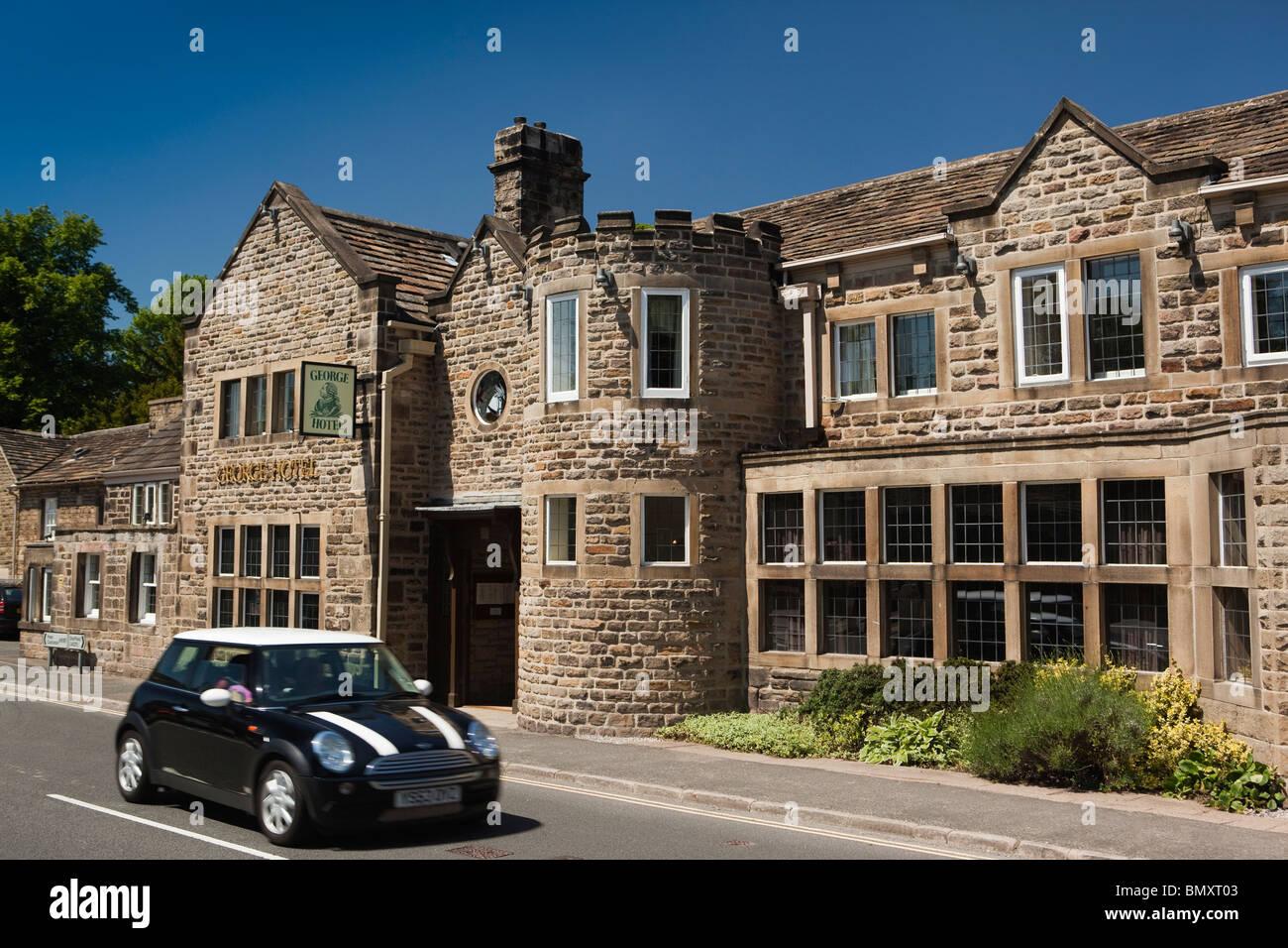 UK, England, Derbyshire, Peak District, Hathersage, Main Street, George Hotel - Stock Image