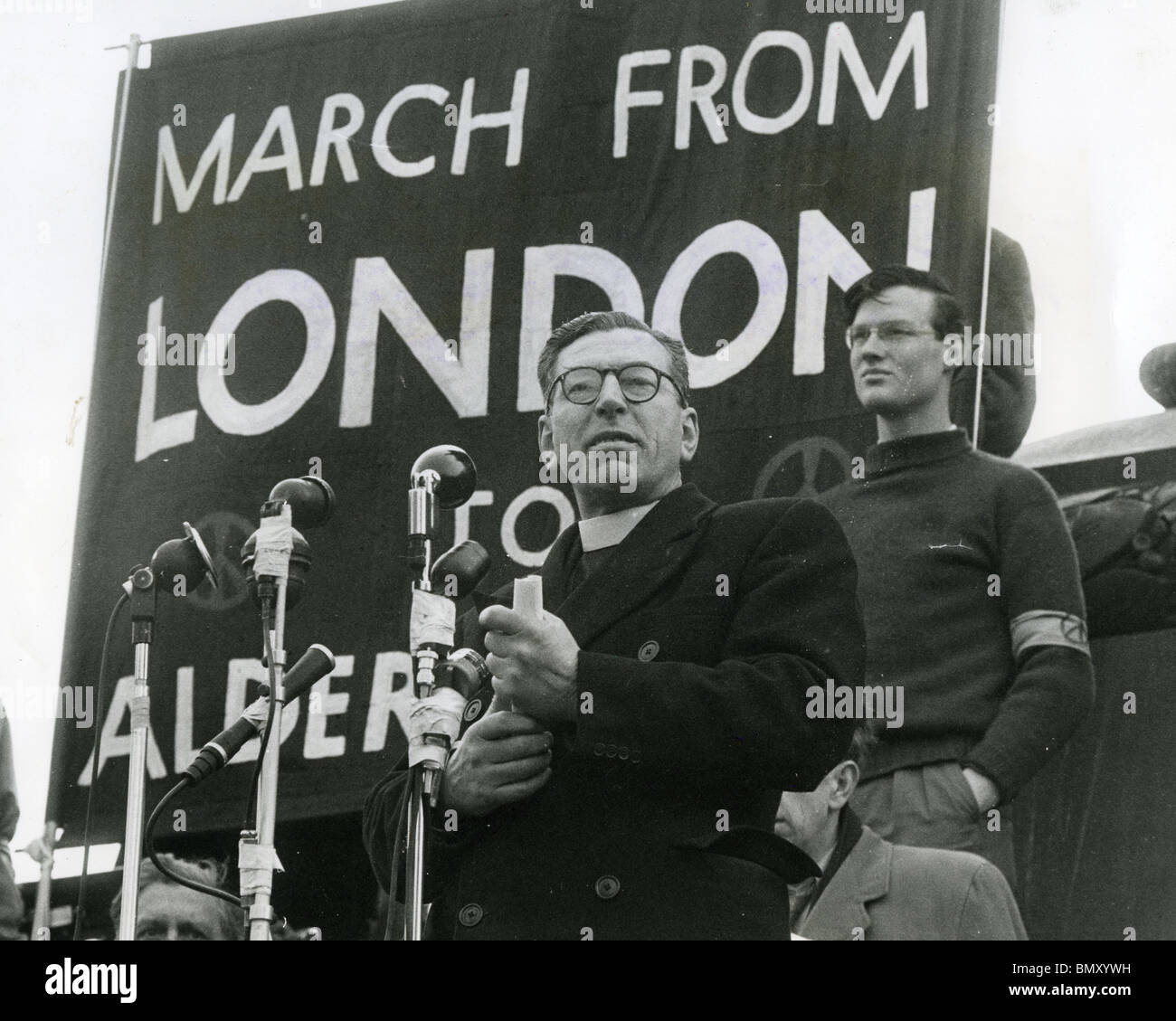CANON JOHN COLLINS (1905-82) Anglican clergyman at a Trafalgar Square Campaign For Nuclear Disarmament meeting in - Stock Image