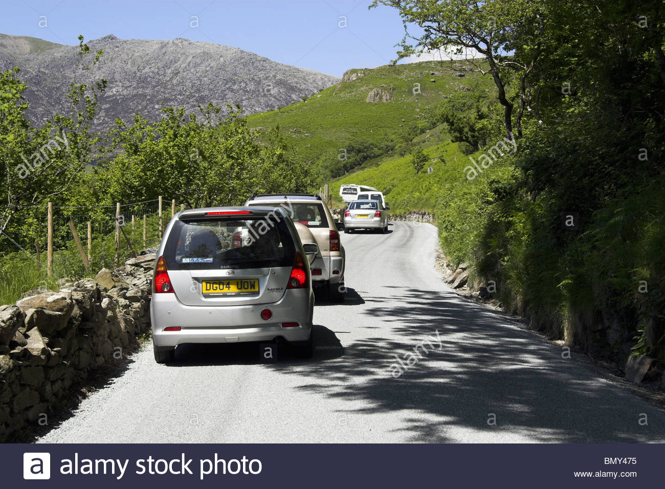 Congestion on the A498 road in Snowdonia National Park, Gwynedd, north Wales, UK. - Stock Image