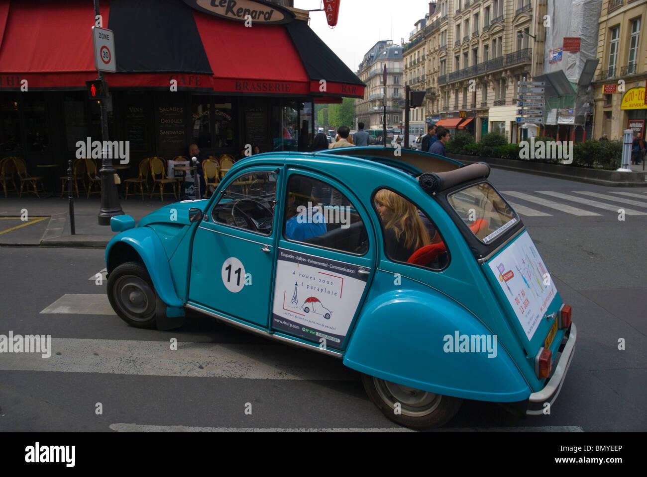 Sightseeing Citroen 2CV private car tour Le Marais district central Paris France Europe Stock Photo