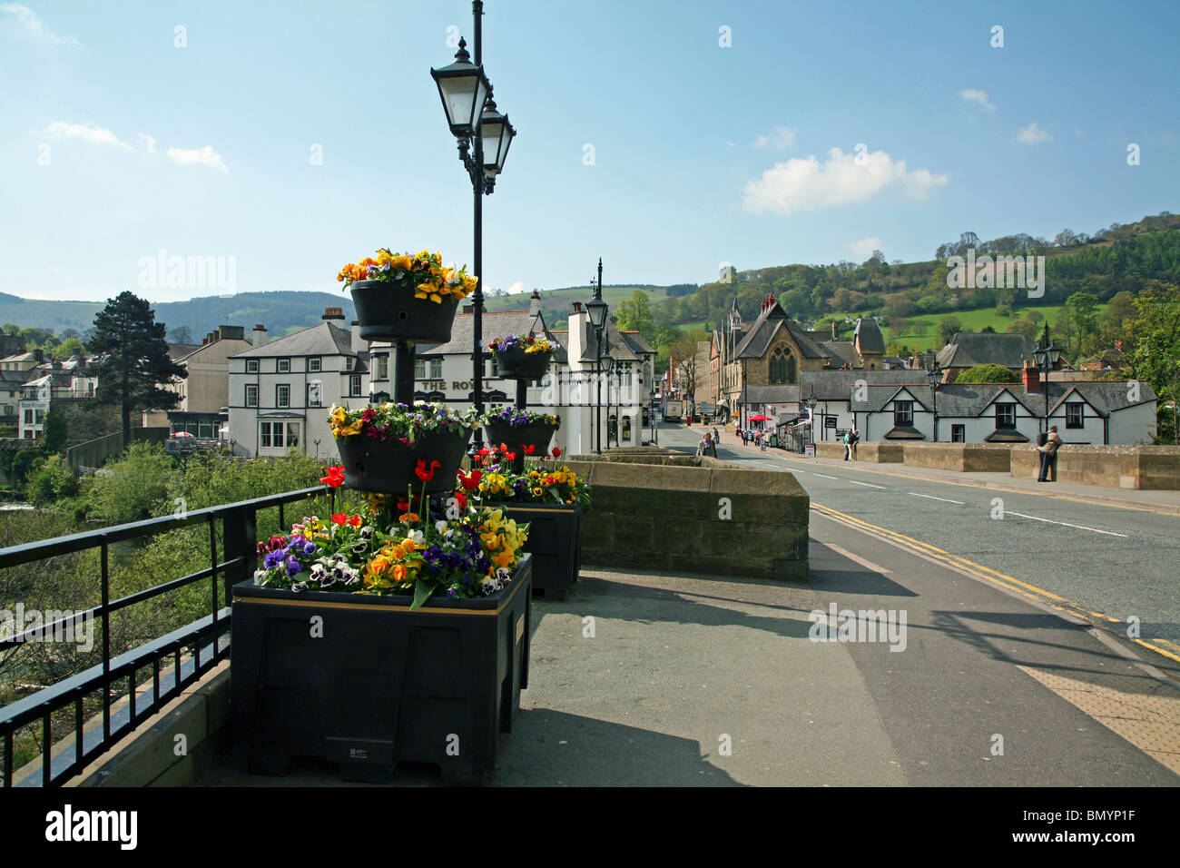 View across the 14th century bridge which spans the River Dee at Llangollen Stock Photo