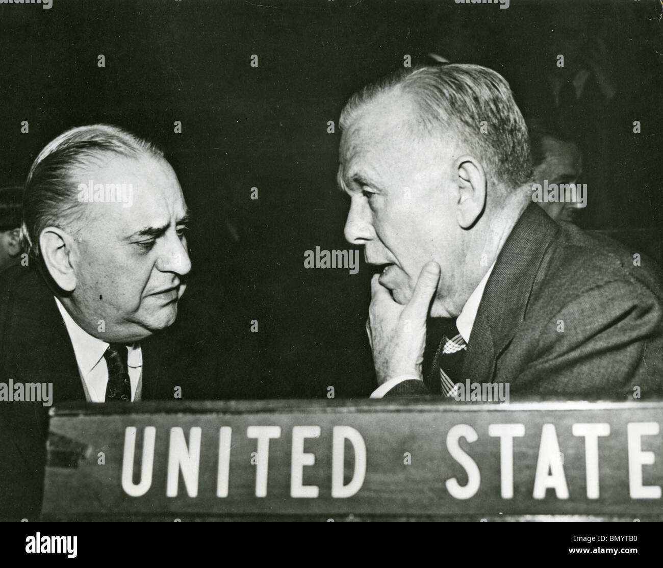 GEORGE C MARSHALL as US Secretary of State with Greek Prime Minisiter Konstantinos Tsaldaris at the UN in 1946 - Stock Image