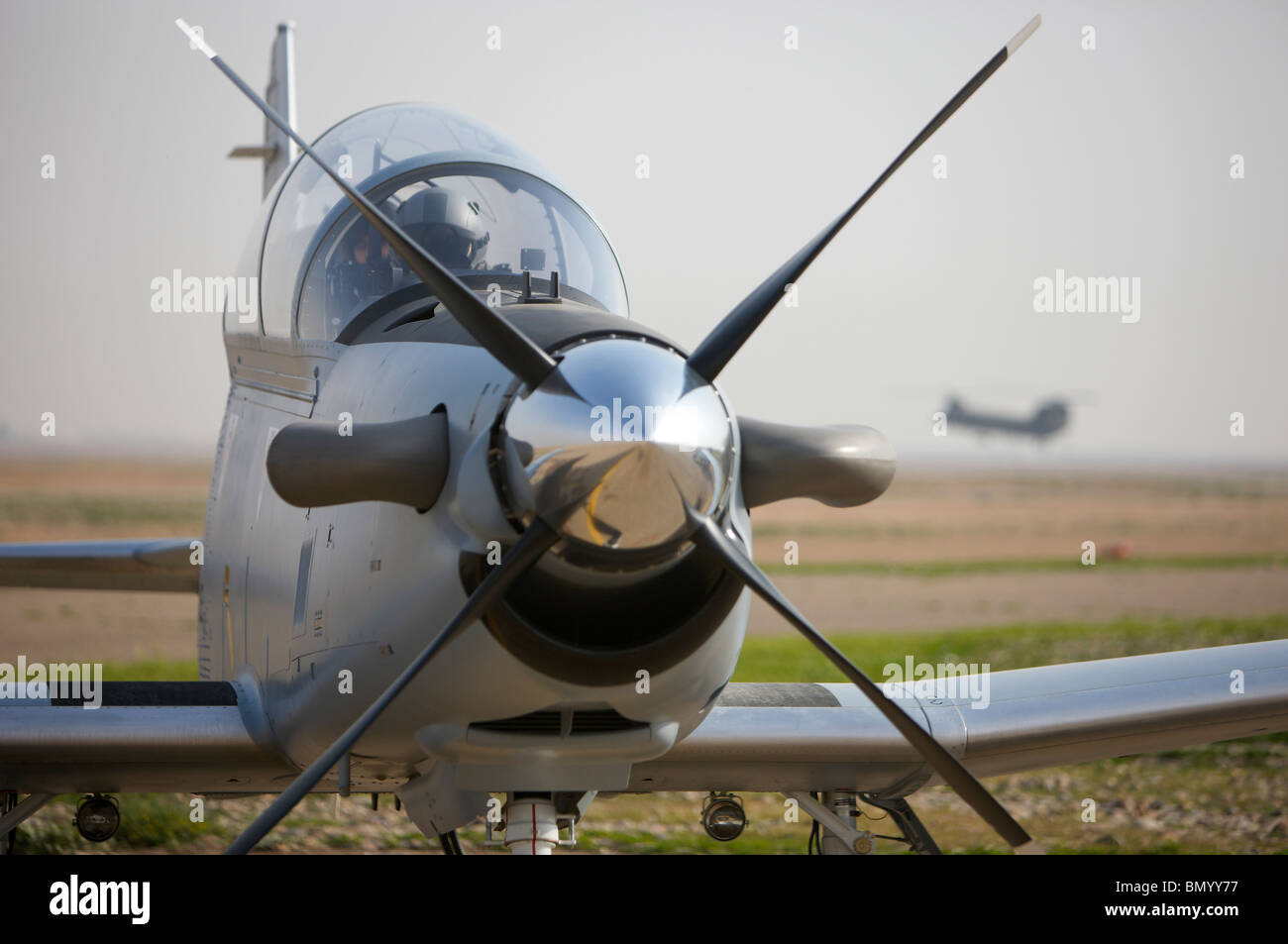Camp Speicher, Iraq - U.S. Air Force pilots in an Iraqi Air Force T-6 Texan trainer aircraft. - Stock Image