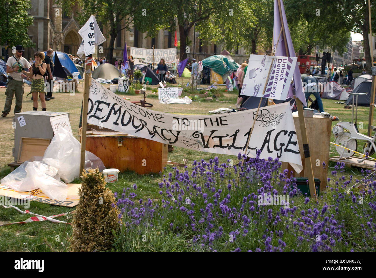 Peace camp (Democracy Village) in Parliament square, welcome sign. June 2010 Stock Photo