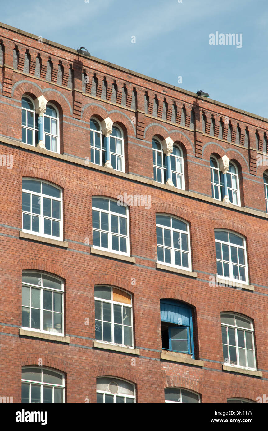Detail of Meadow Mill, Stockport.Built for T& J Leigh cotton and wool spinning in 1880, now occupied by various - Stock Image