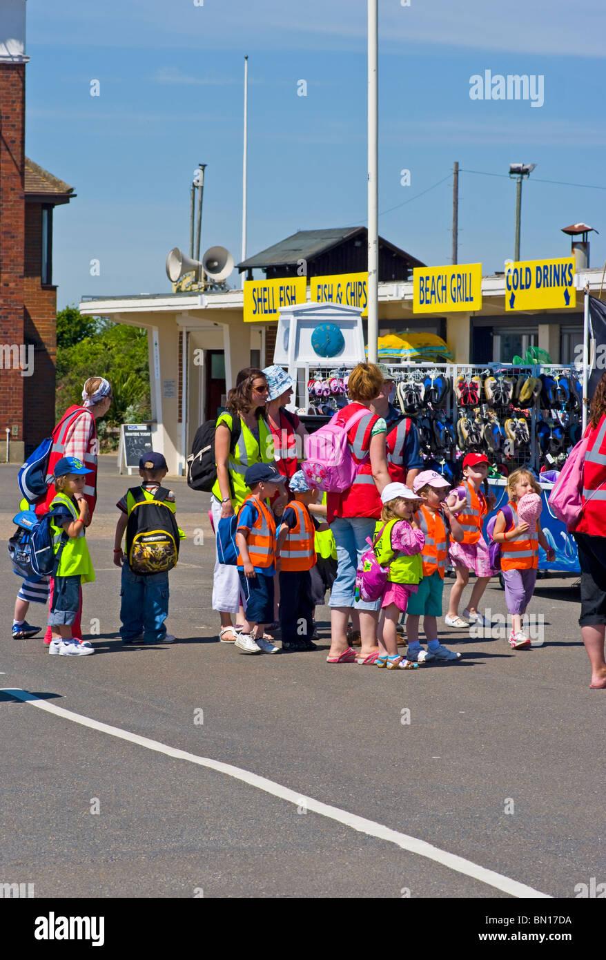 Schoolchildren On A Day Trip To Littlehampton West Sussex England - Stock Image