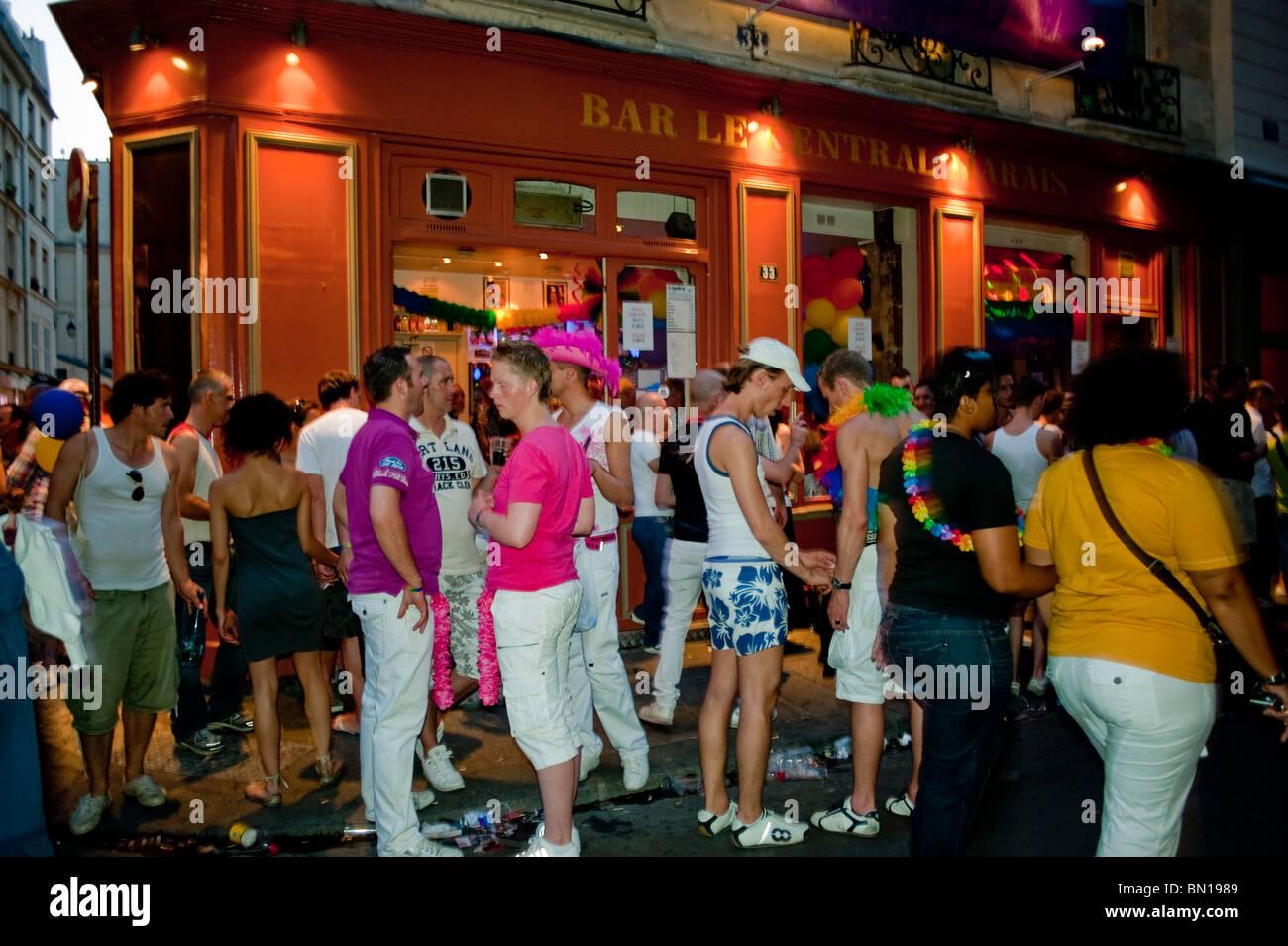gay bars paris