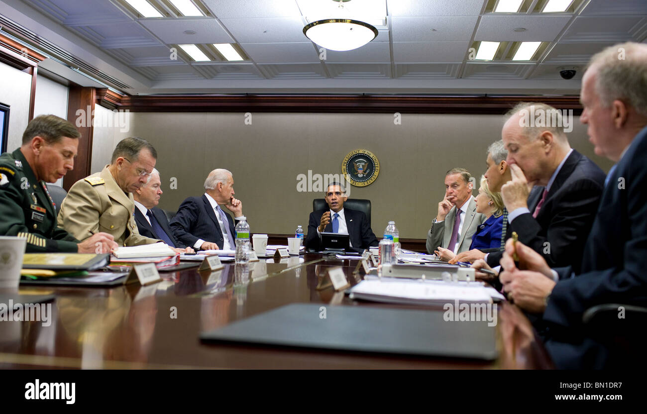 President  Obama meets with his national security team on Afghanistan and Pakistan in the Situation Room of the - Stock Image