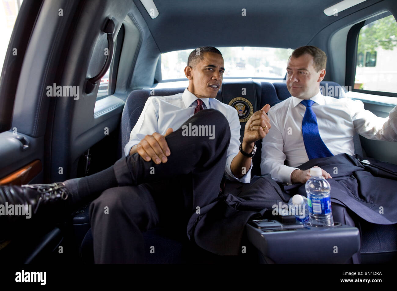 President Barack Obama and President Dmitry Medvedev of Russia ride together for lunch at Ray's Hellburger in - Stock Image