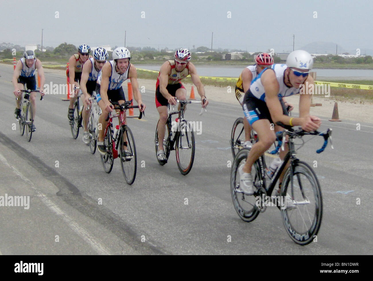 Maj. Jonathan Mason and 1st Lt. Scott Toander competed in the 2010 Armed Forces Triathlon Championship - Stock Image