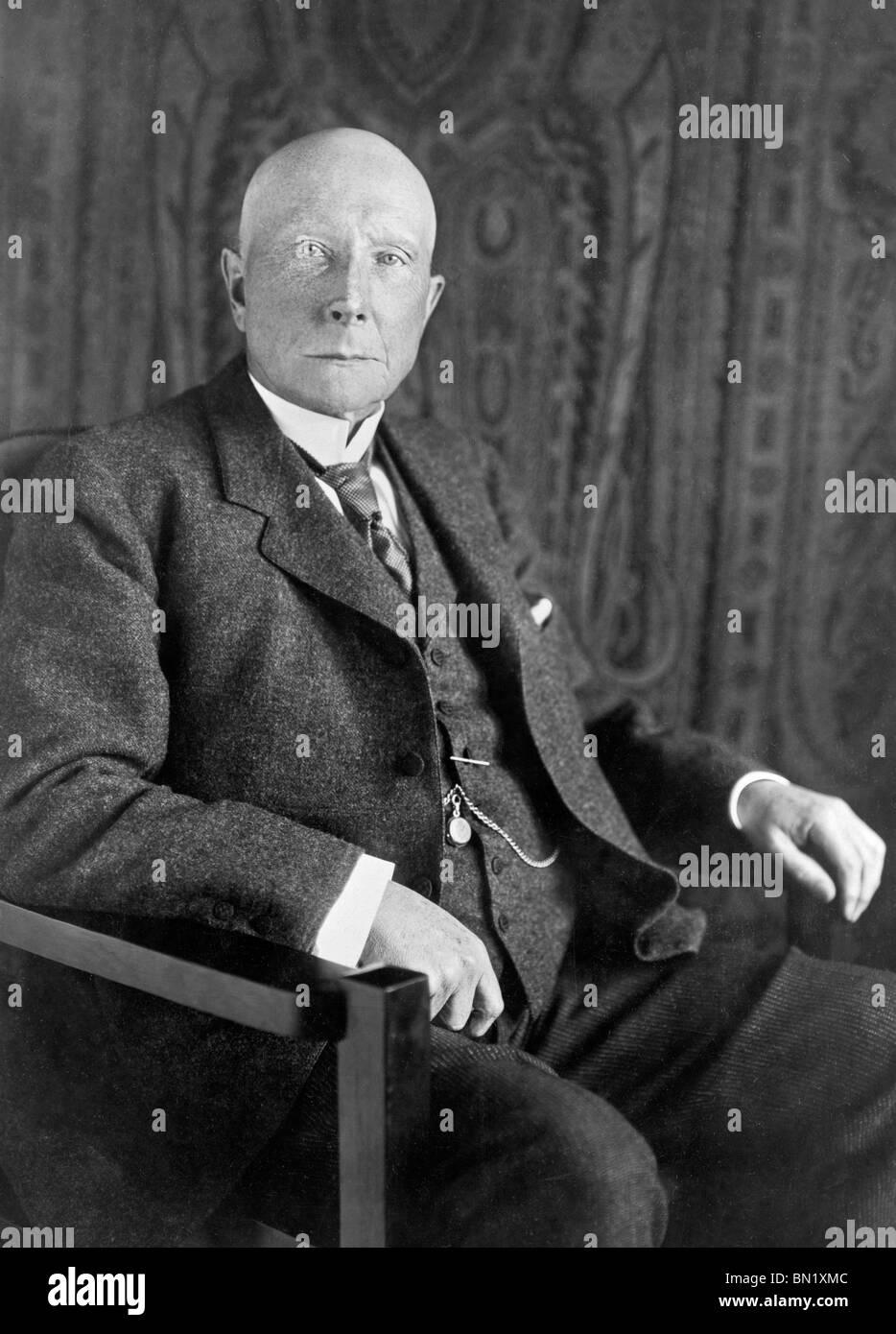 Portrait photo circa 1909 of billionaire American industrialist John Davison Rockefeller (1839 - 1937). - Stock Image