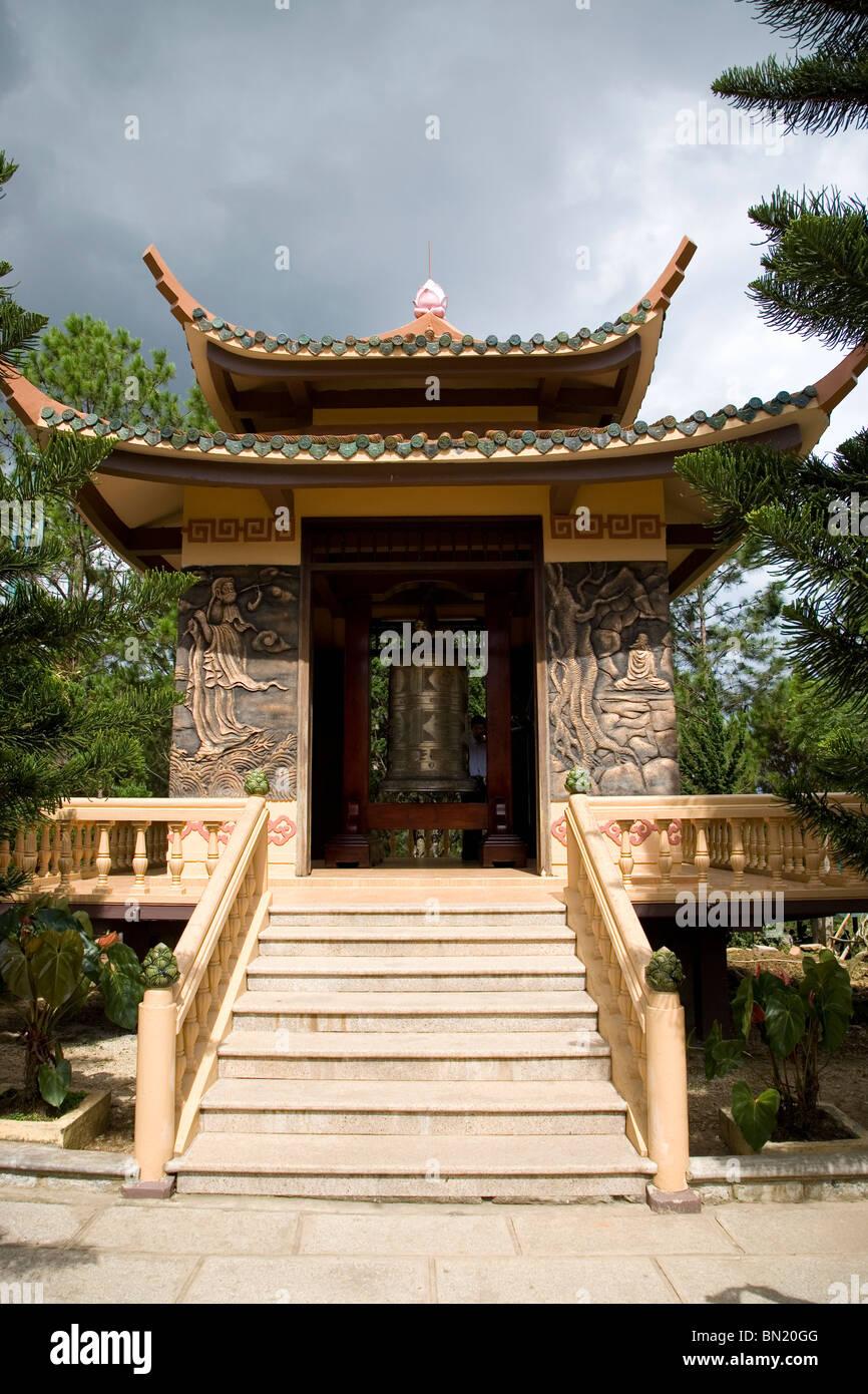 Cast Bronze Bell at Truc Lam Pagoda, Dalat - Stock Image