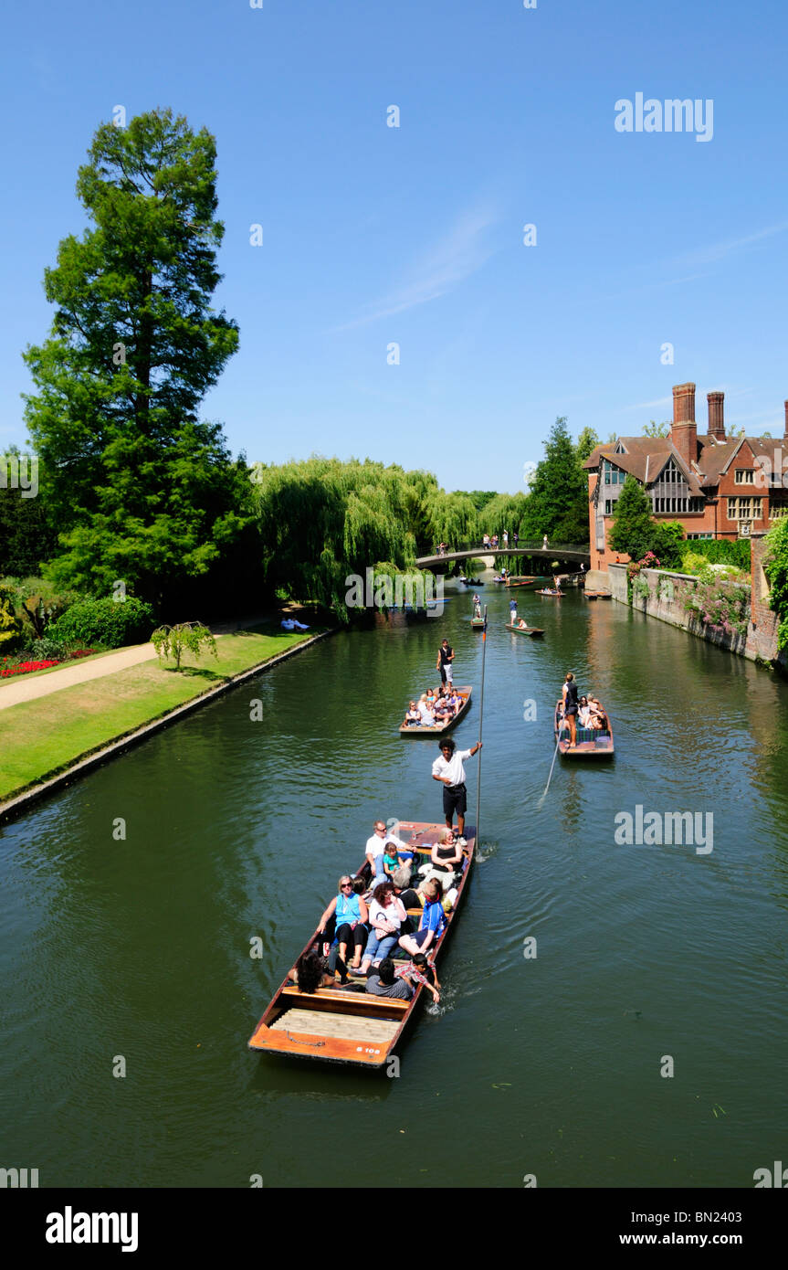 Punting on the River Cam, looking towards the Jerwood Library at Trinity Hall College, Cambridge, England, UK - Stock Image