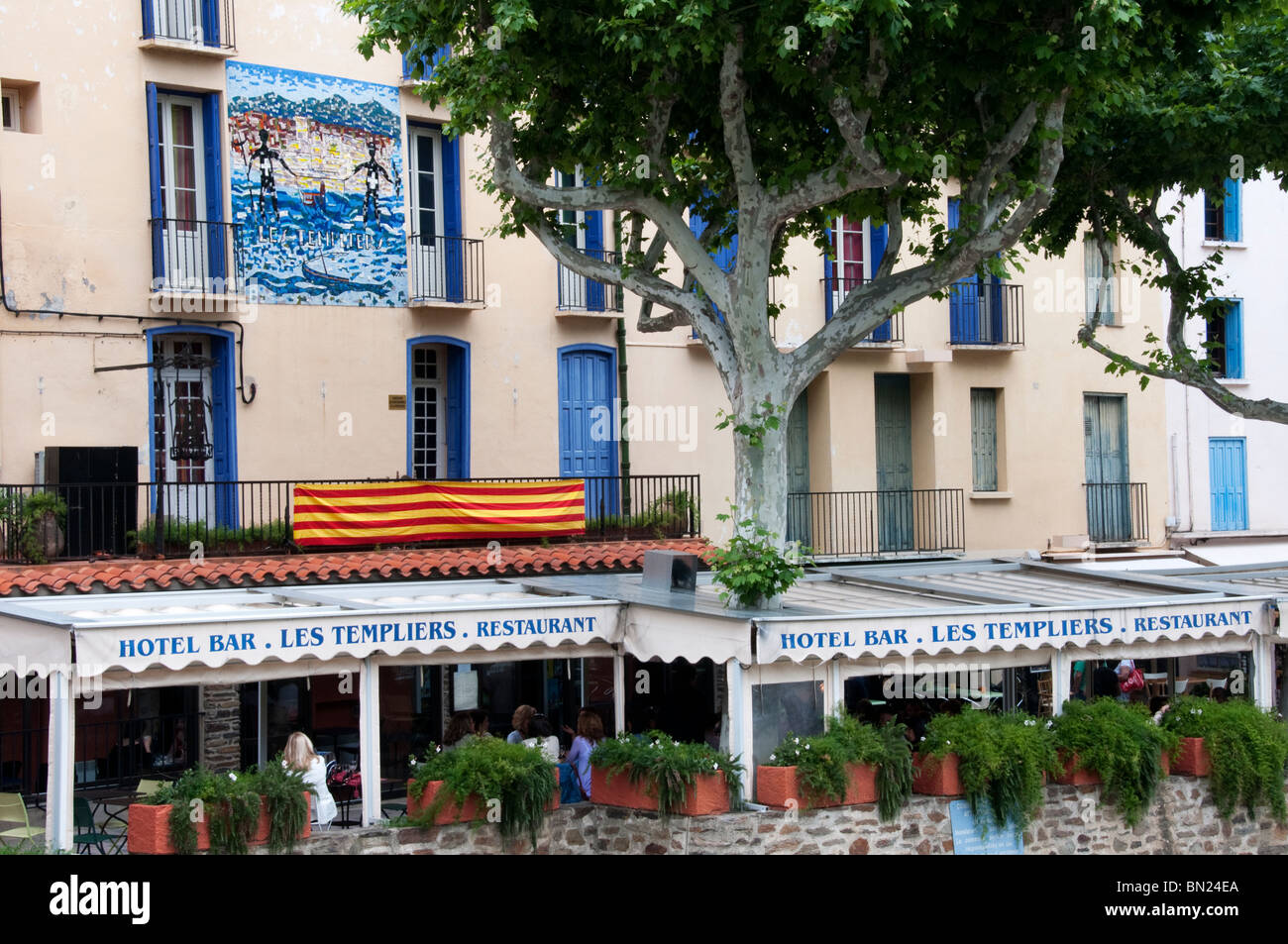 Les Templiers restaurant in Collioure, Southern France - Stock Image