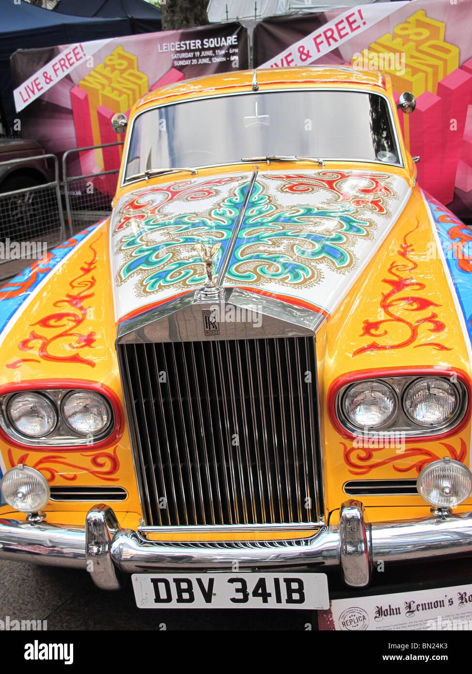 John Lennon Beatles Rolls Royce 1967 Hippy Psychedelic - Stock Image