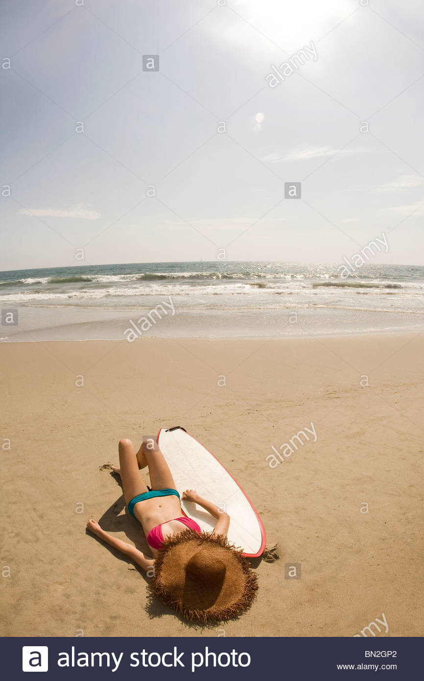 Surfboard Laying On Beach Stock Photos & Surfboard Laying ...