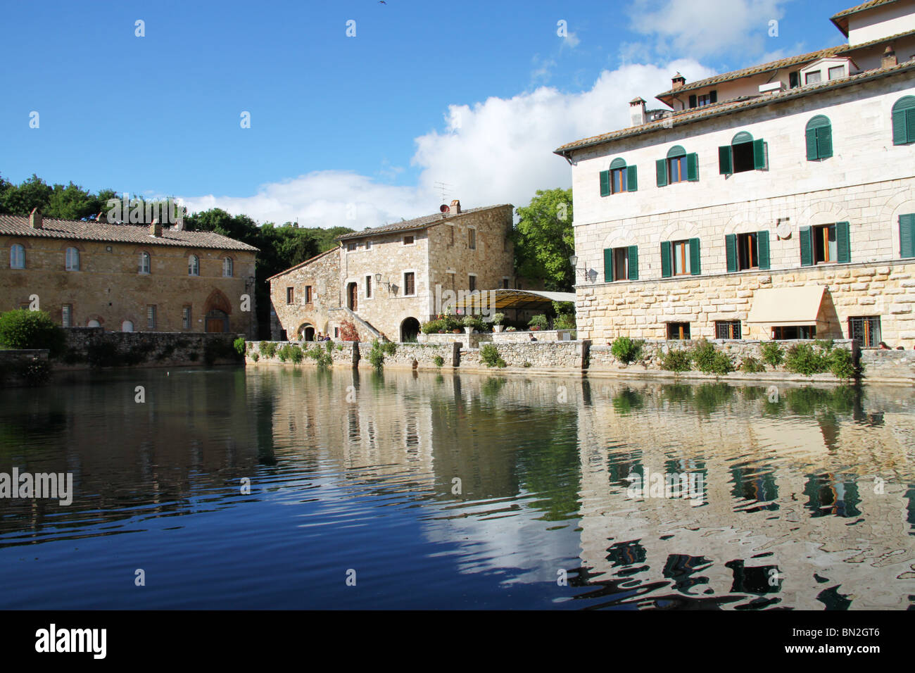https://c8.alamy.com/comp/BN2GT6/natural-sulphuric-spa-bagno-vignoni-tuscany-italy-BN2GT6.jpg