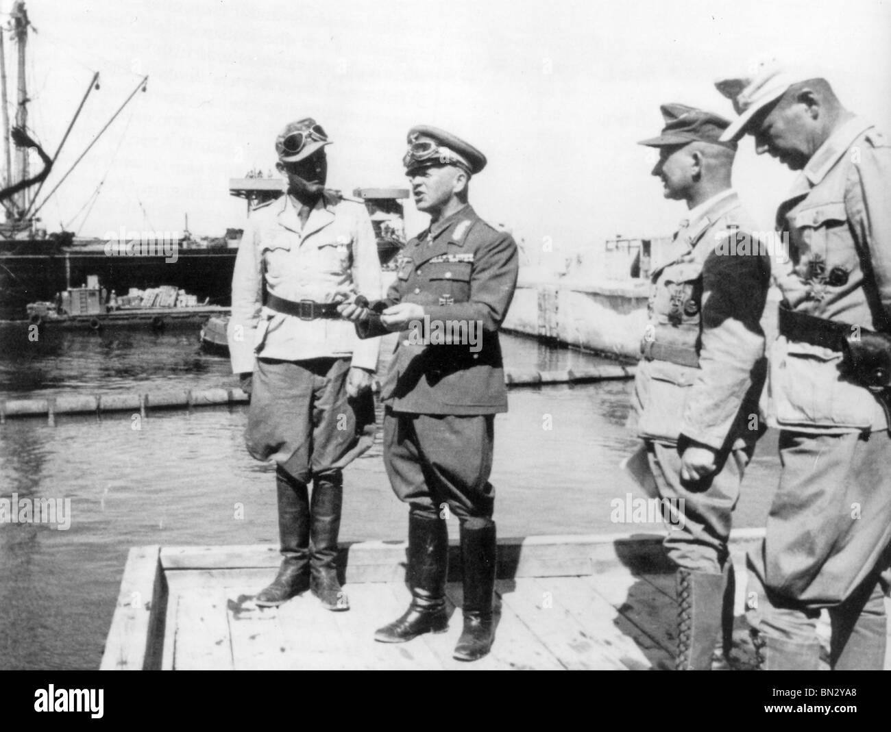 FIELD MARSHAL ERWIN ROMMEL at Tobruk harbour in 1942 - Stock Image