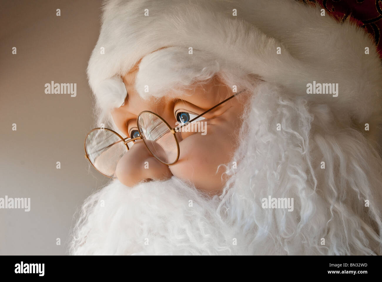 Life-size Santa Claus figure in store display, Orlando, Florida, USA - Stock Image