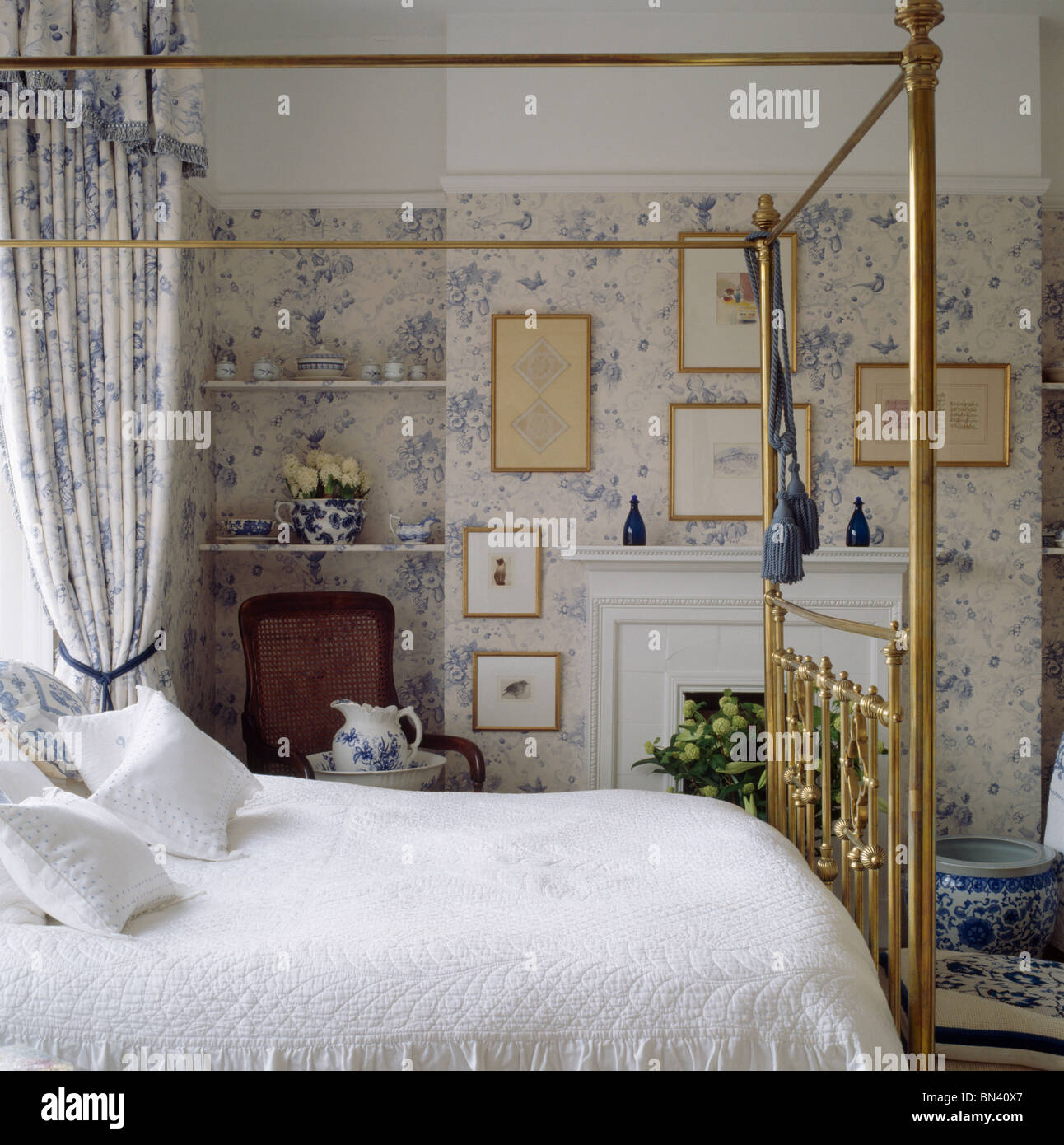 Creative Bedroom Wall Decor Brass Bed Bedroom Design Bedroom Design Black Bedroom Cupboards At Ikea: White Quilt On Brass Bed With Blue Floral Drapes In