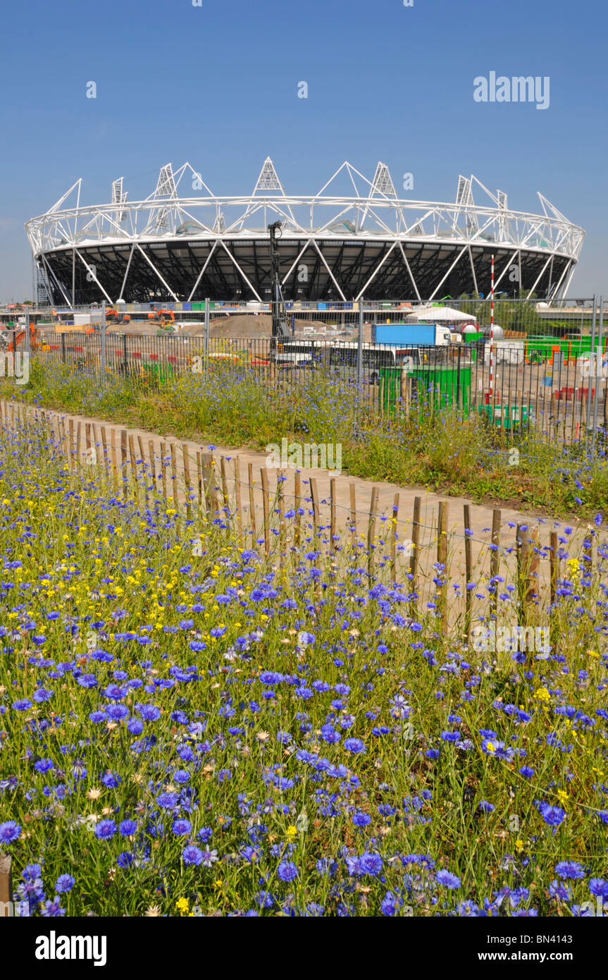 Regeneration of run down industrial area for the 2012 Olympic stadium facilities - Stock Image