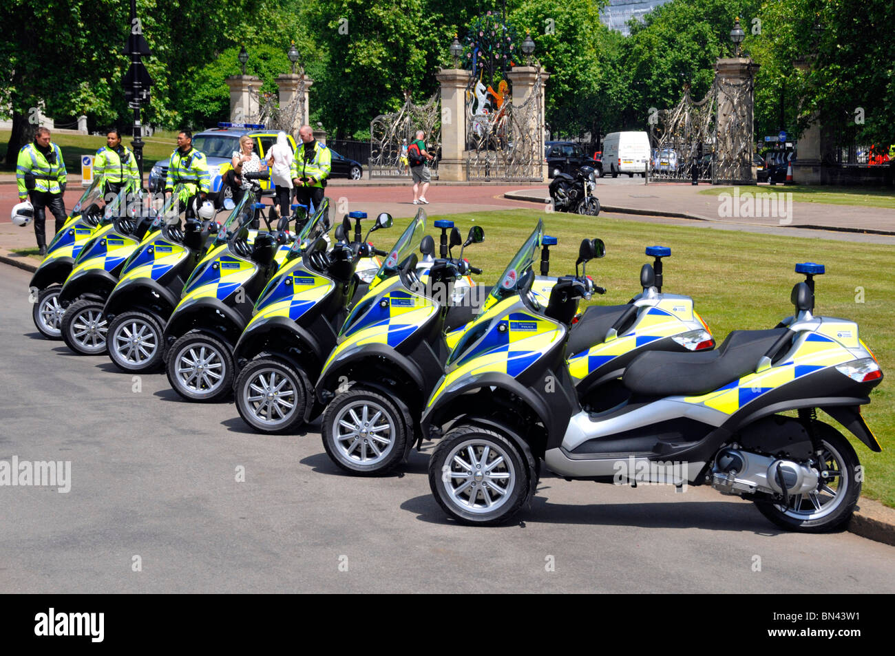Piaggio MP3 scooters for Metropolitan Police Safer Transport