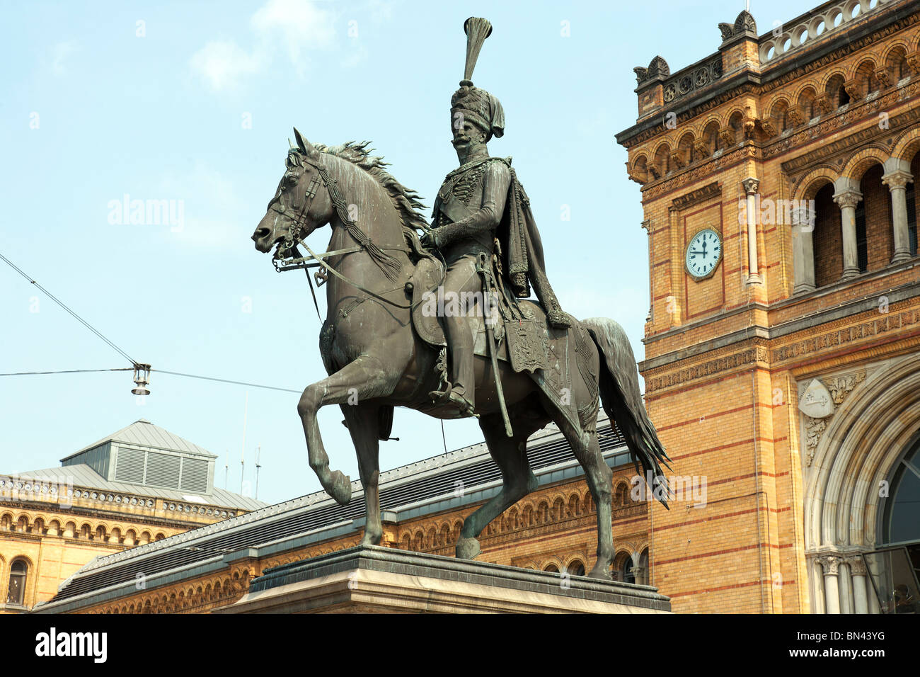 King Ernst August Statue outside Hauptbahnhof, Hannover, Lower Saxony, Germany - Stock Image